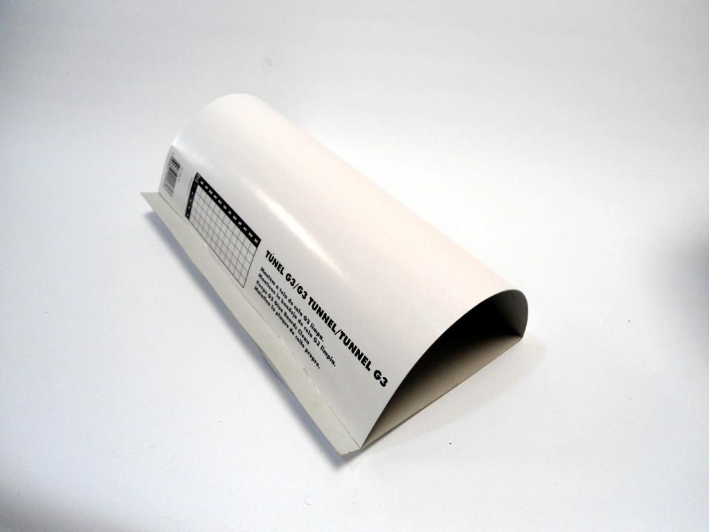 Tunnel carton pour plaque glu